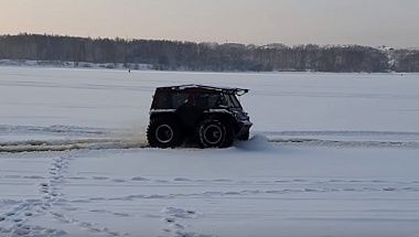 ATV BigBo – entrance on the ice. On Trom 8 tires 8!